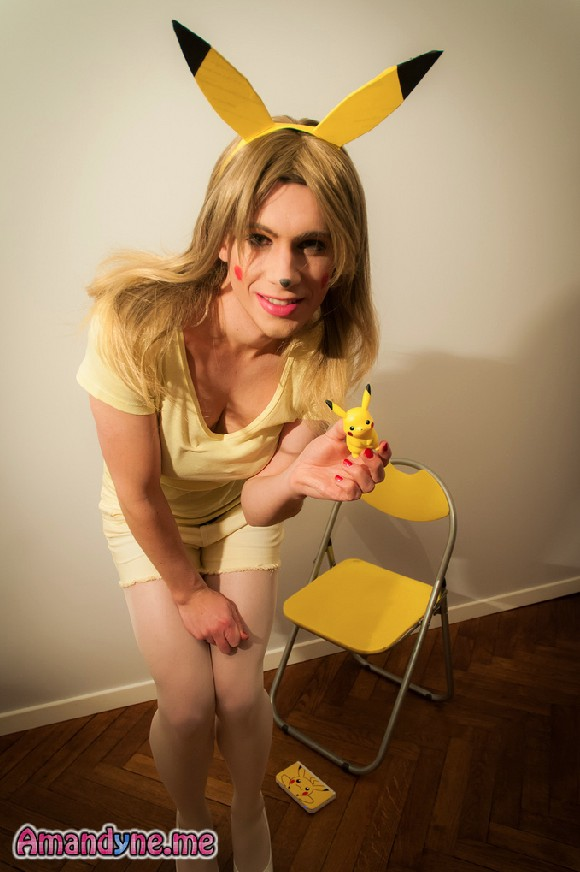 Amandyne Grey - Pikachu travesti crossdresser