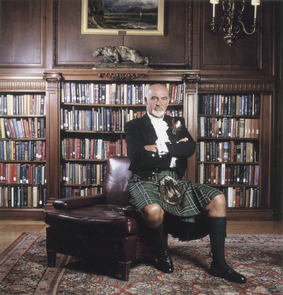 Sean Connery en kilt écossais (2001). Le célèbre acteur britannique a importé le kilt à Washington.