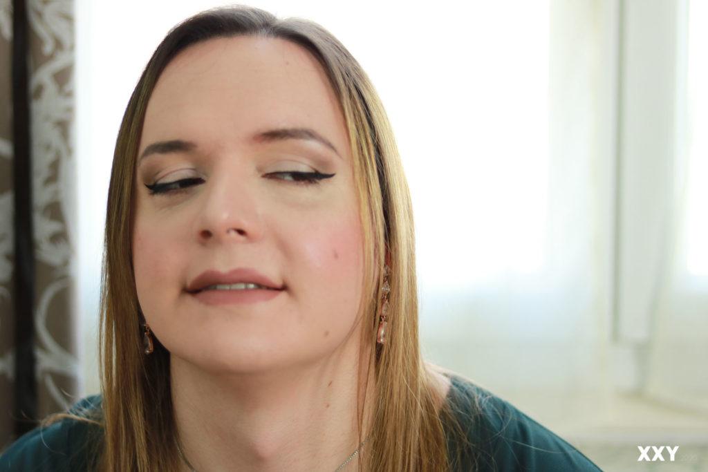 Travesti Andromède - Regard