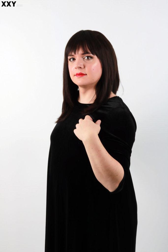 Portrait de travesti avec perruque